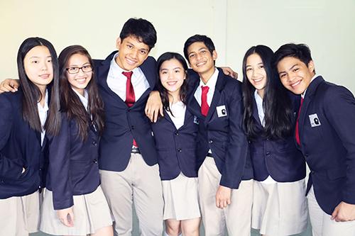 international-school-students-quezon-city
